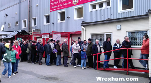 luton-away-ticket-queue-football