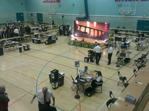 empty-voting-hall