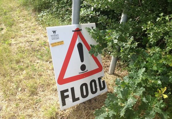 Llay-Flood-sign