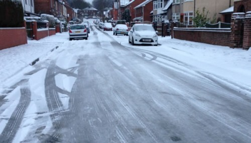 court road ice 500x285 Friday: Wrexham Snow   Live Updates And Information