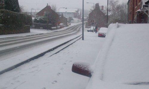 llan road acrefair 500x298 Friday: Wrexham Snow   Live Updates And Information
