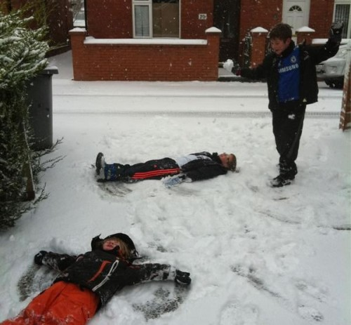 snow angels ponciau 500x463 Friday: Wrexham Snow   Live Updates And Information
