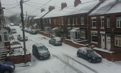 tanyfron snow 500x303 Friday: Wrexham Snow   Live Updates And Information