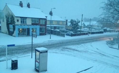 garden-village-shops-snow