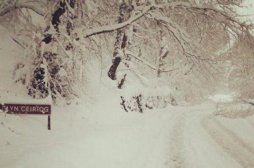 glyn-ceri-snow-road