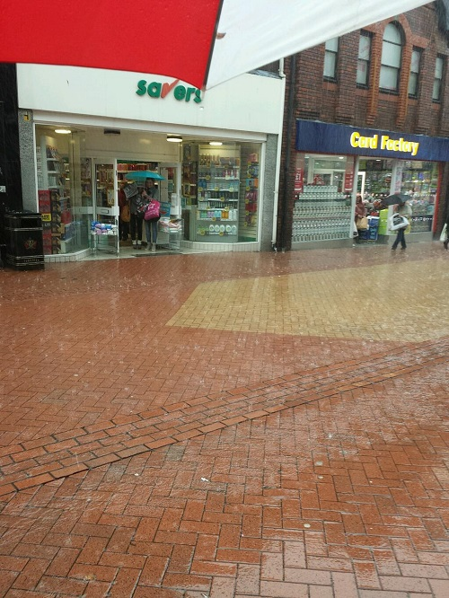 @jennymoss46 sent us this picture of the rain in the town centre