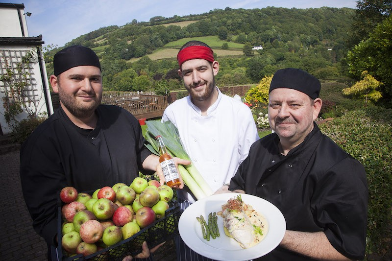 Erddig Apple food challenge. The Mulberry Inn. Pictured are Matt Pugh, Wyn Morris and Chef Robert Ankers .
